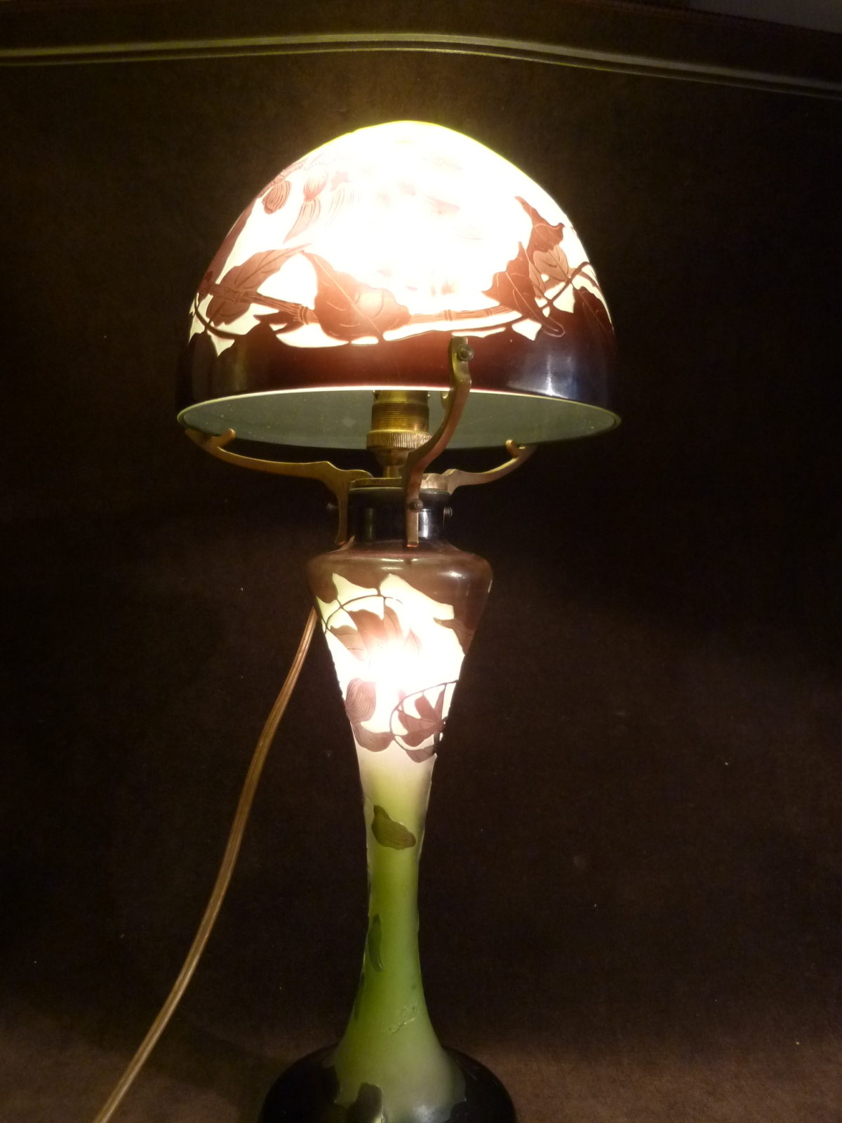 Emile Galle Lampe De Table Champignon En Pate De Verre La Licorne